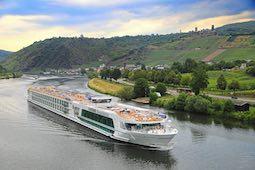 Es wird ein Schiff voller Narren, wenn die Lady Diletta vom 2. bis 5. November 2021 die Kölsche Lebensart auf den Fluss bringt. Foto: Plantours