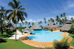 Das Neptune Pwani Beach Resort & Spa liegt direkt am weißen, feinsandigen Strand von Kiwengwa im nordöstlichen Teil Sansibars. Foto: Alltours