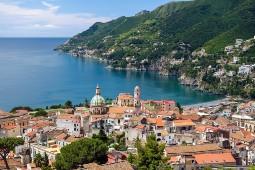 Ab Juli kreuzt die Mein Schiff auf zwei Routen entlang der italienischen Küste mit Anläufen in Frankreich. Foto: TUI Cruises