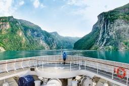 Nach den Panorama-Reisen in Norwegen folgen Expeditionen bis hinauf nach Schwedisch-Lappland. Foto: Hapag-Lloyd Cruises