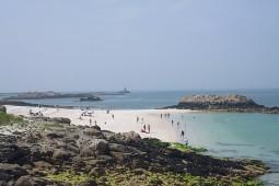 Die Glénan-Inseln, einer der Schauplätze in den Krimis von Luc Bannalec mit Commissaire Dupin. Foto: Wikinger Reisen