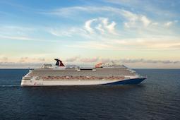 Die Carnival Magic feiert ihren Restart am 7. August in der neuen Außenbemalung. Foto: Carnival Cruise Line