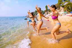 Sommer, Sonne, Strand – Ruf Jugendreisen hat in den Sommerferien viele attraktive Ziele in Europa im Programm. Foto: Ruf Jugendreisen