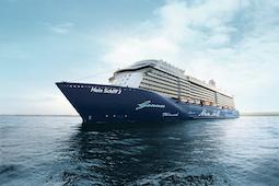 Mit der Mein Schiff 3 nimmt am 29. Juli das sechste Schiffe der Mein Schiff Flotte den Betrieb mit Gästen wieder auf. Foto: TUI Cruises