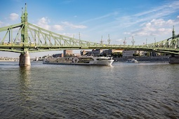 Bis Mitte Oktober ist die MS Thomas Hardy für Nicko Cruises auf der Donau im Einsatz. Foto: Nicko Cruises
