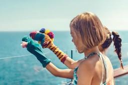 Mit Käpt`n Sharky in die Herbstferien: Die Mein Schiff 4 startet durch als Familienschiff. Foto: TUI Cruises