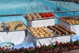 Neben dem Besuch von Weihnachtsmärkten wird auch an Bord gemütliche Adventsstimmung zelebriert. Foto: TUI Cruises