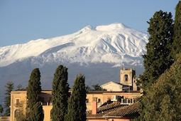 Viele Gruppenreisen werden bei Dertour nur für Geimpfte und Genesene angeboten. Foto (Sizilien): Pixabay