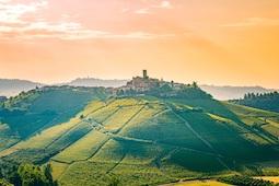 Hauser Exkursionen erweitert mit neuen Rad- und Wandertouren im Piemont sein Norditalien-Angebot. Foto: ronnybas/Shutterstock