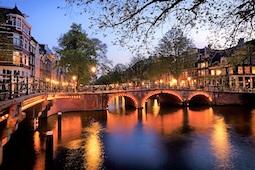 Nicko Cruises hat wunderbare Advents- und Feiertagsreisen im Programm. Foto (Amsterdam): Nicko Cruises